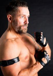 ruff GEAR Fingerless Leather Gloves Black